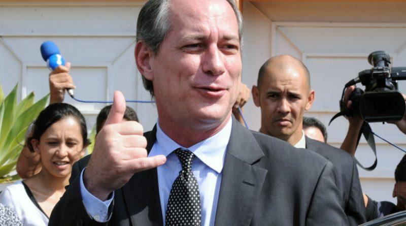 Nazista filho da p*ta, diz Ciro Gomes sobre Jair Bolsonaro