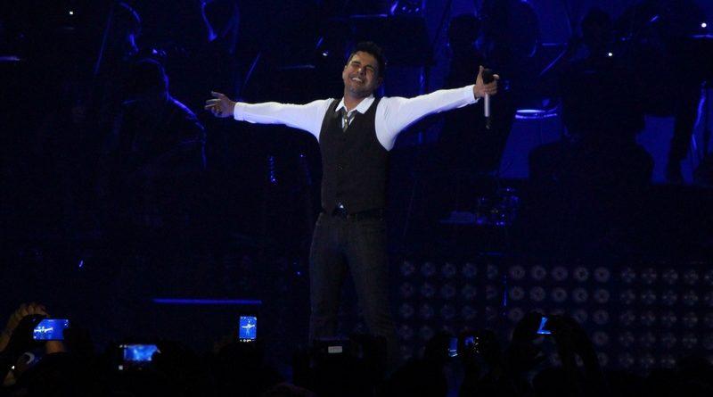Zezé di Camargo chama o cantor de 'emergente'