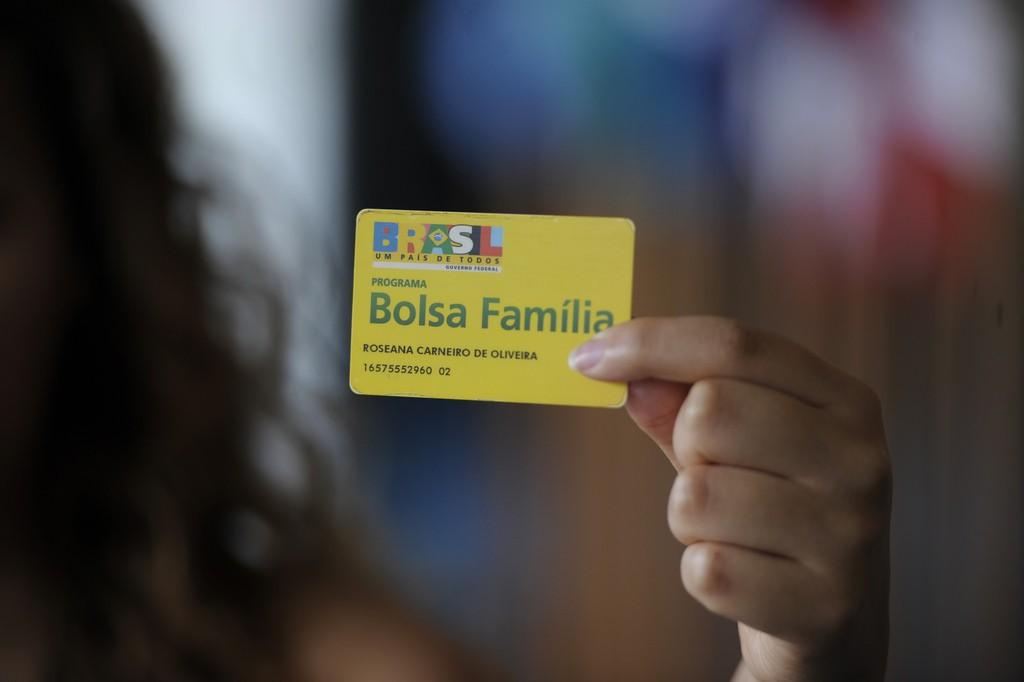 Governo dará linha de crédito para beneficiários do bolsa-família
