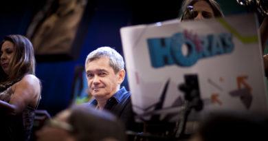 O apresentador Serginho Groisman na gravação do programa de televisão Altas Horas da TV Globo.