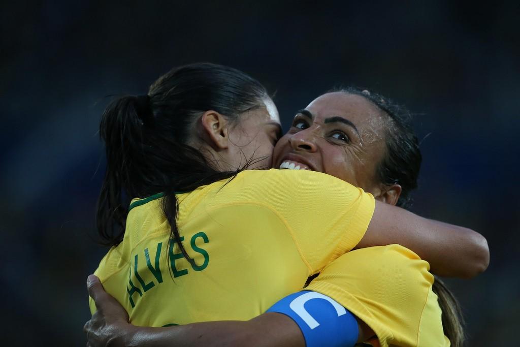03 deAgosto de 2016 - Rio 2016 - Marta comemora o segundo com com Andressa no Jogo de Futebol Feminino Brasil x China..Foto: Roberto Castro/ Brasil2016