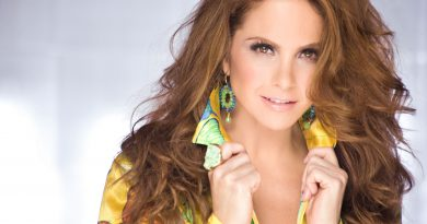 Lucero chega ao Brasil para participar de shows