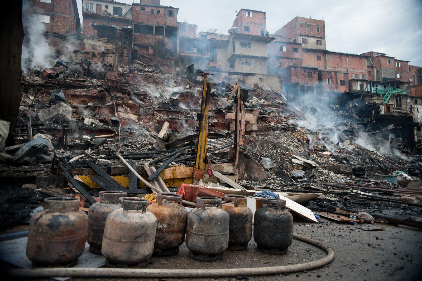 Adesivo De Parede Curitiba ~ Inc u00eandio em favela na Zona Norte de SP destrói mais de cem