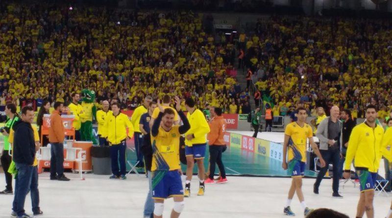 Brasil vence Portugal em jogo de vôlei comemorativo