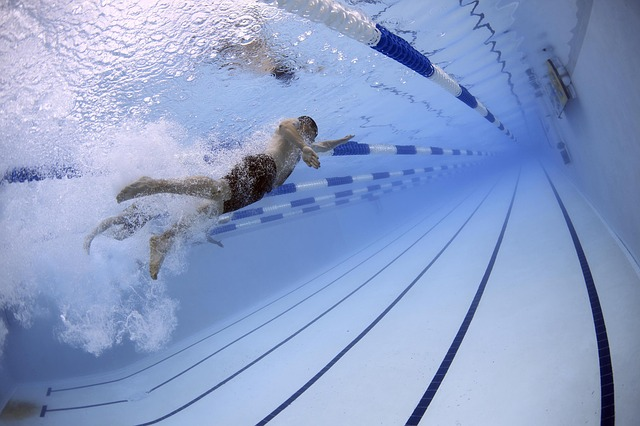 Caio Oliveira briga pela medalha de ouro na natação