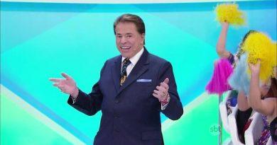 Programa Silvio Santos tem especial de Natal com apresentador vestido de Papai Noel