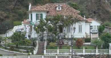Português: Edifício da reitoria da Universidade Federal de Ouro Preto Data 4 de outubro de 2011 Origem Obra do próprio Autor Py4nf