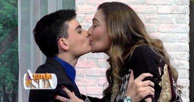 Dudu Camargo dá selinho em Sonia Abrão e confessa: 'Convidei Maisa para dormir comigo'; veja vídeo