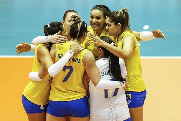 Vibração brasileira Seleção feminina de vôlei no Grand Prix (Divulgação/FIVB)