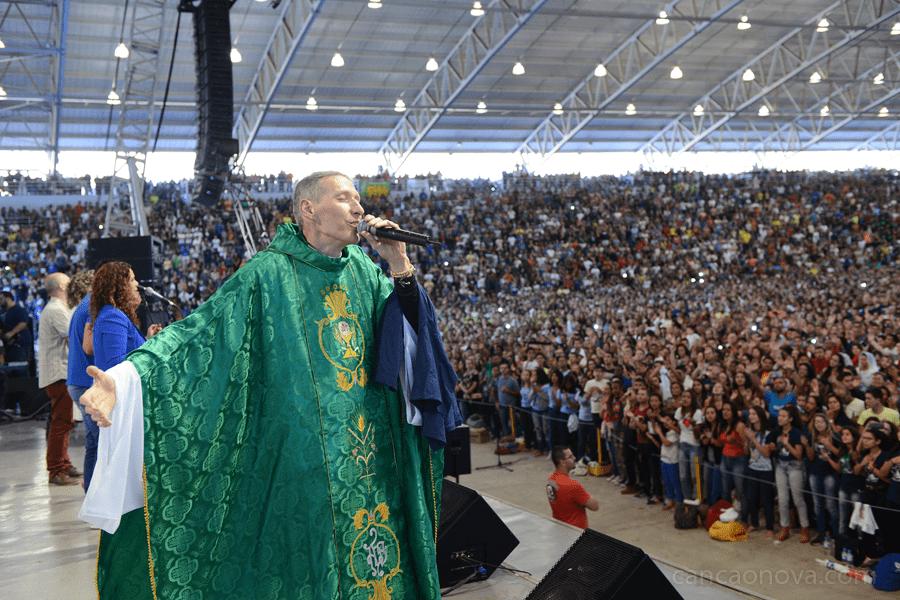 Padre Marcelo Rossi estará no acampamento católico da Canção Nova (crédito Canção Nova)