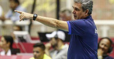 José Roberto Guimarães (Divulgação/FIVB)