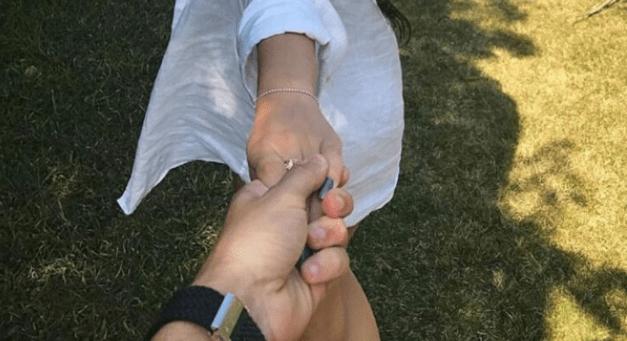 Ex-BBB Emilly Araújo está namorando? Veja foto que sugere um novo amor