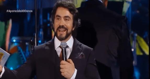 Padre Fábio de Melo participa de show de encerramento da Festa da Padroeira; veja vídeo