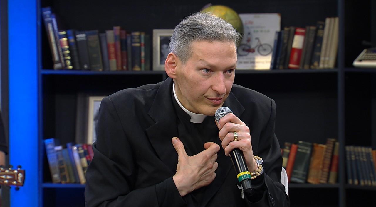 """""""Achava que era frescura"""", diz padre Marcelo Rossi sobre a depressão (Crédito/Fotos: Divulgação/RedeTV!)"""