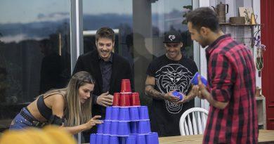 Fábio Porchat invade a sede de A Fazenda – Nova Chance para conversar com os peões (CRÉDITO DAS FOTOS: Edu Moraes/Record TV)
