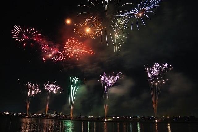 Ilha Comprida proíbe o uso de fogos de artifício com estouro ou estampidos