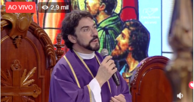 Padres Fábio de Melo e Marcelo Rossi celebram missas no 'Hosana Brasil'; vídeo ao vivo