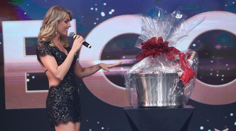 Família Record  Ana Hickmann dá presente caro e ganha cesta de Natal ... 29ee5f6668