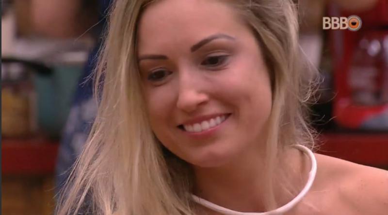 Jéssica teme ser traída pelo namorado enquanto está no BBB18: 'Tem muita piriguete'