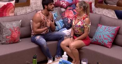 Mahmoud fala pra Jéssica do BBB 18 sobre Lucas: 'Segura a onda'