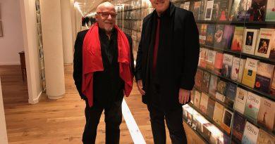 Pedro Bial e Paulo Coelho na Suíça. Crédito: Divulgação/Globo