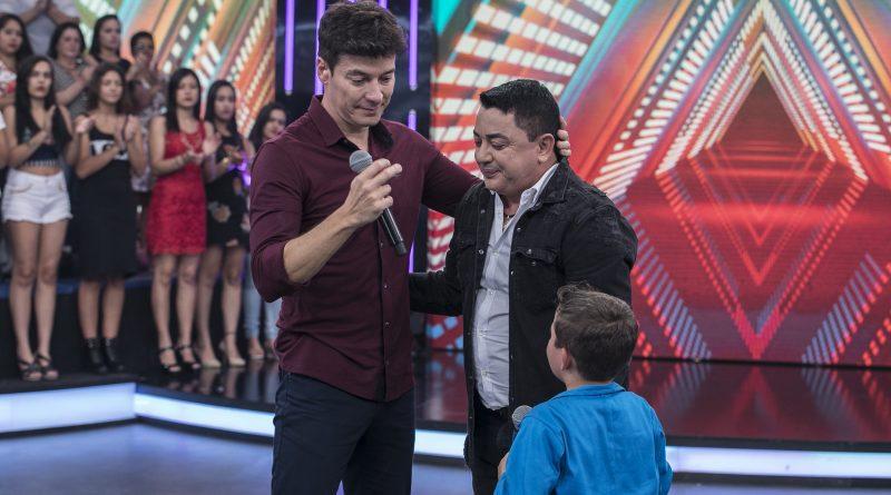 Menino de 8 anos emociona o empresário João Reis com homenagem ao filho dele, o saudoso cantor sertanejo Cristiano Araújo