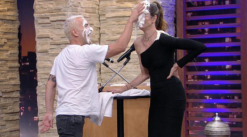 Luciana Gimenez recebe Matheus Mazzafera em seu 'Luciana By Night' *Crédito/Fotos: Divulgação/RedeTV!