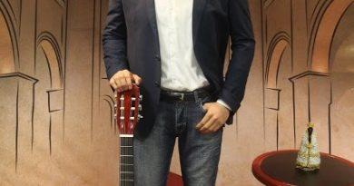 Cantor Daniel ganha estátua no Santuário Nacional de Aparecida