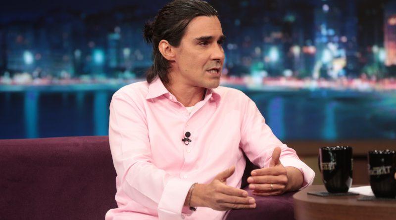 André Gonçalves fala sobre o casamento com Danielle Winits no Programa do Porchat