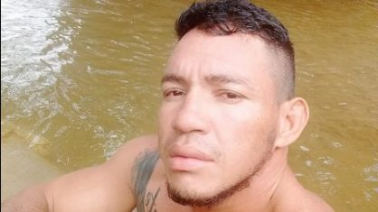 O lutador Adriano Mamute (Crédito: Facebook / Adriano Mamute)
