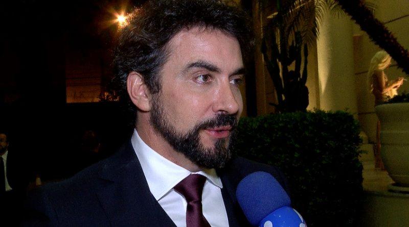 Padre Fábio de Melo sobre fama de galã: 'Meu público é muito feminino' *Crédito/Fotos: Divulgação/RedeTV!