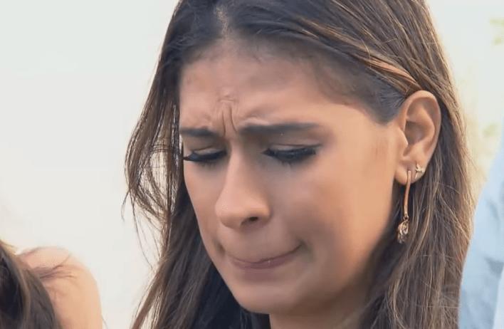 Simone faz pedido especial em show: 'Continuem rezando pela Simaria' (Foto/reprodução Record TV)