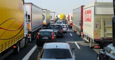 Associação Brasileira dos Caminhoneiros decide retirar as interdições nas rodovias
