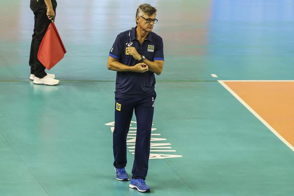 técnico da seleção brasileira masculina de vôlei Renan (Wander Roberto/Inovafoto/CBV)