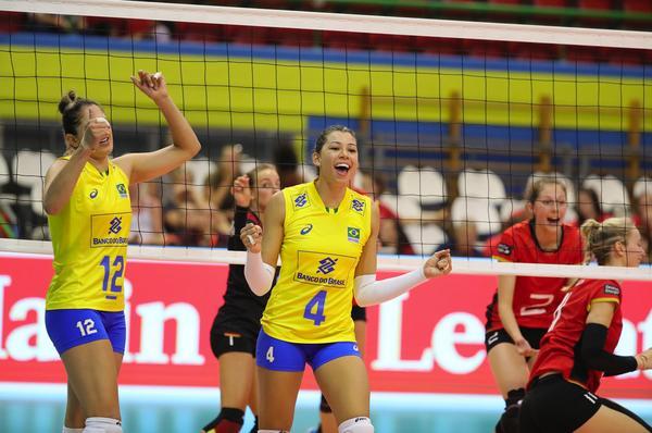 Carol foi MVP da última edição (Divulgação/Montreux Volley Masters)