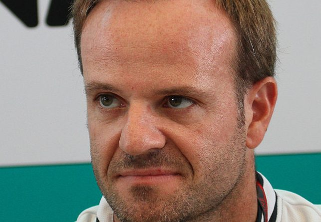 Formula One 2010 Rd.3 Malaysian GP: Rubens Barrichello (Williams) at autograph session on Sunday. By bert en ernie - Own work, CC BY-SA 3.0, https://commons.wikimedia.org/w/index.php?curid=9944223