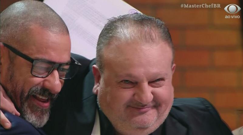 MasterChef Brasil: Jacquin anuncia que será pai de gêmeos e rouba a cena; veja vídeo
