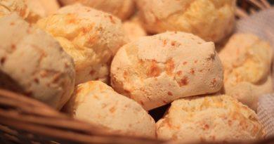 Pão de queijo: três receitas leves e deliciosas para não sair da dieta