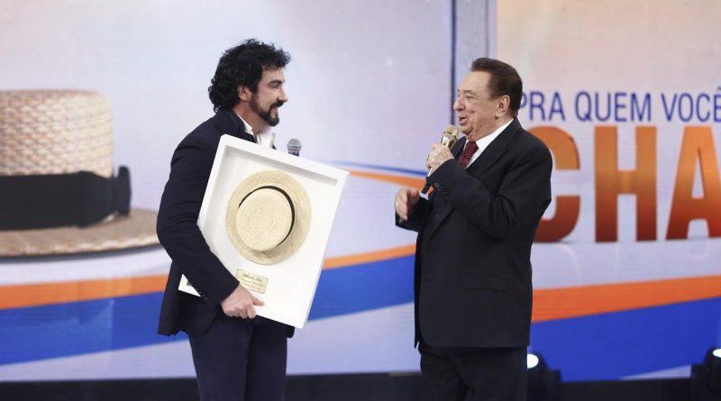 Padre Fábio de Melo e Raul Gil (Crédito: Rodrigo Belentani /SBT)