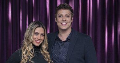Uma dos destaques da décima temporada de A Fazenda, Nadja Pessoa, que foi expulsa do reality show após brigar com Caíque Aguiar, é a entrevistada do talk show