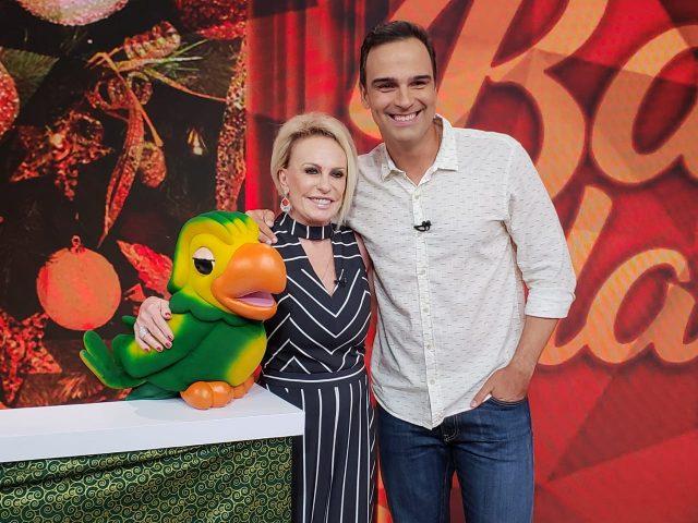 Tadeu Schmidt recebe Ana Maria Braga e Louro José. Crédito: Globo/ Marcelo Sarkis