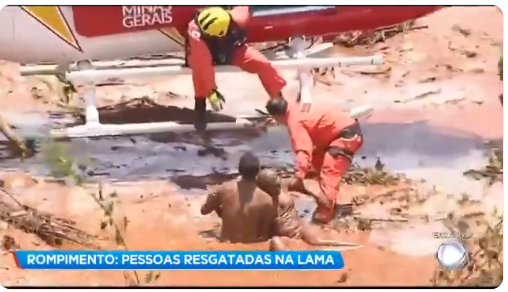 Brumadinho: lama atinge casa, pessoas e animais