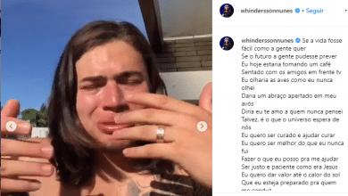 Chorando, Whindersson Nunes lamenta a morte de Gabriel Diniz e canta