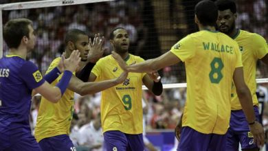 Equipe comemora vitória contra a Polônia (Divulgação/FIVB)