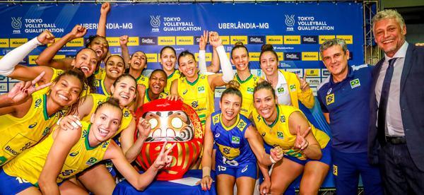 Brasil comemora a classificação para Tóquio (Divulgação/FIVB)