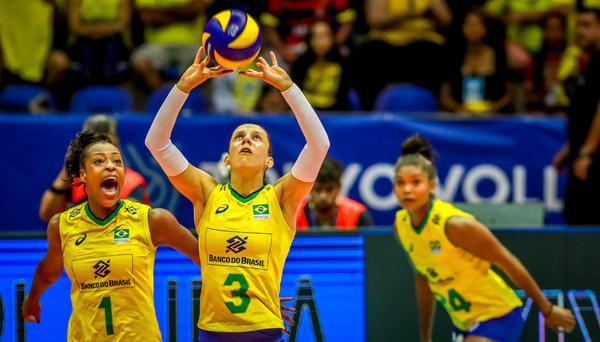 Macris. Mara e Lorenne estarão nos Jogos Pan-Americanos (Divulgação/FIVB)