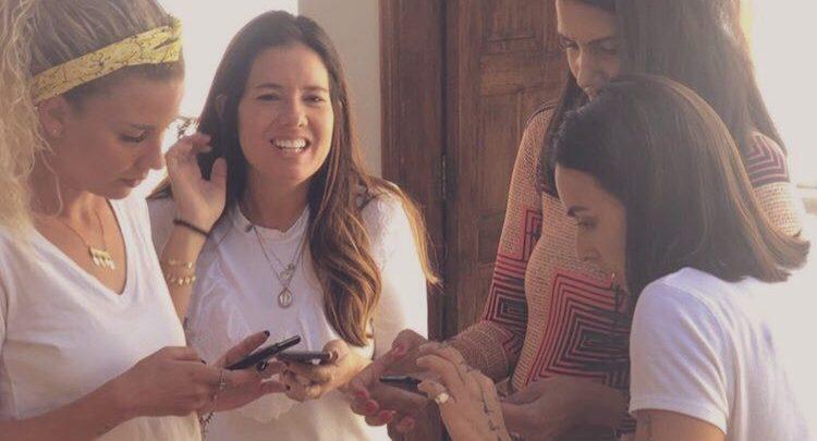 Mariel recebe amigos do Power Couple em Passa Quatro