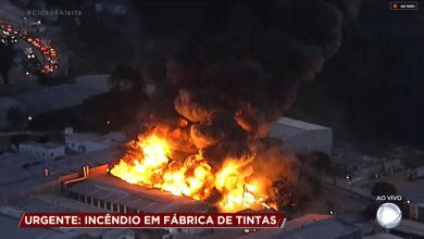 Incêndio em Betim hoje Foto/reprodução Record TV