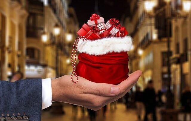 Vidente Márcia dá dicas de presentes de Natal de acordo com o signo